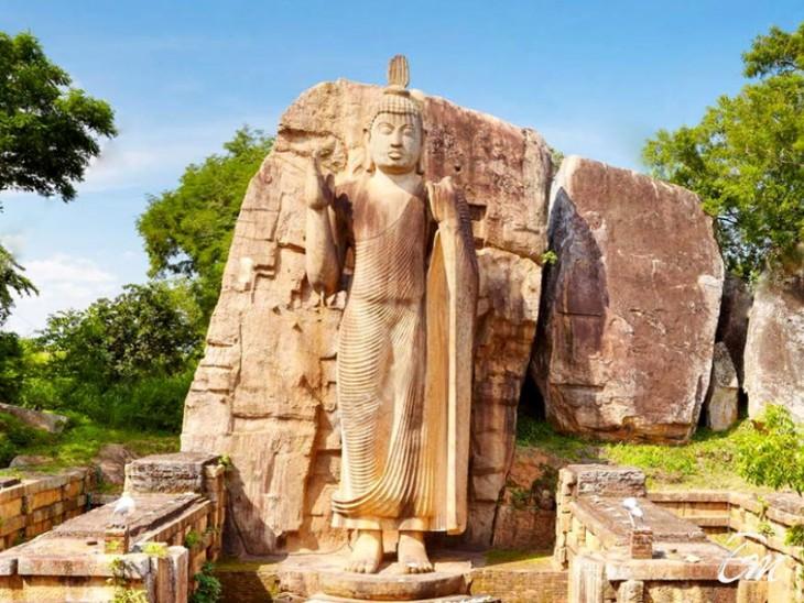 Aukana Temple
